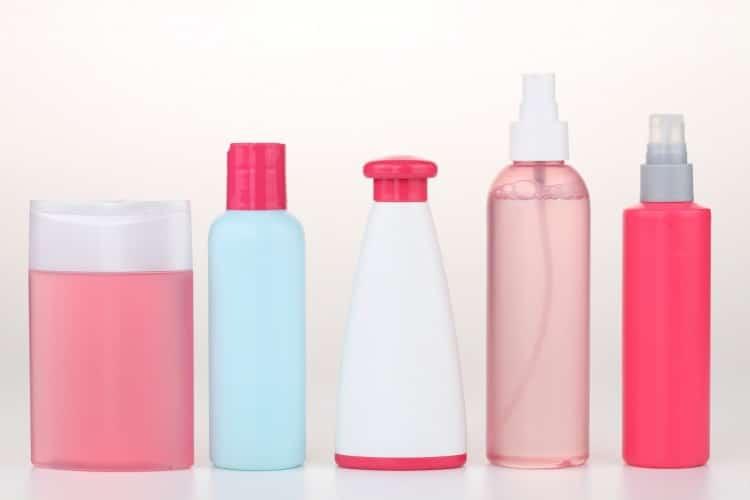 lahvičky s tělovou kosmetikou