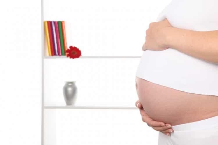 fotka břicha těhotné ženy