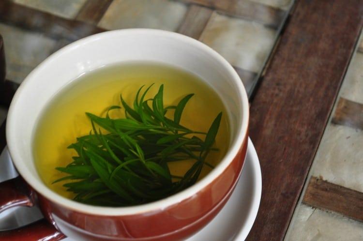 hrníček se zeleným čajem