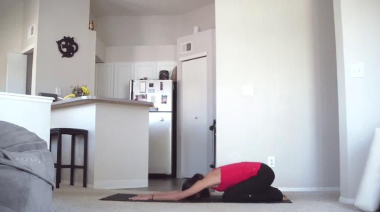 30 denní jóga výzva – 12. den – Ranní nakopávačka