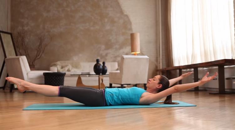 30 denní jóga výzva – 8. den – Probouzíme svaly středu