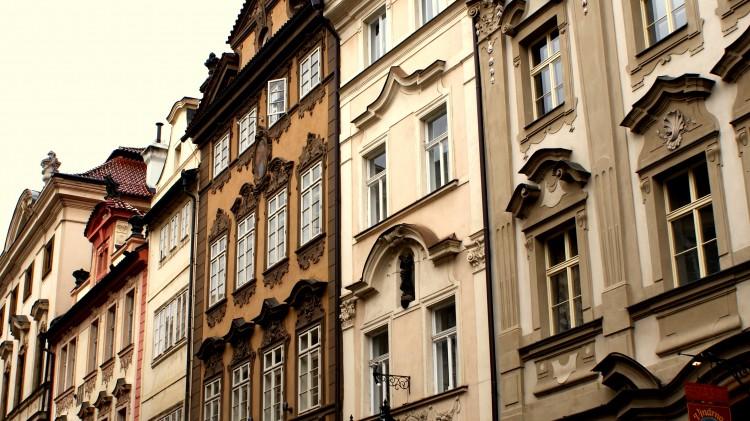 fotka pražských domů