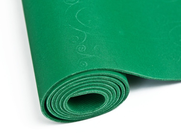 Zelená podložka na jógu z ekologického materiálu