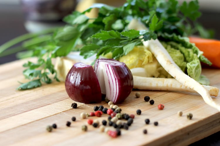 Jarní zelenina připravená na vaření