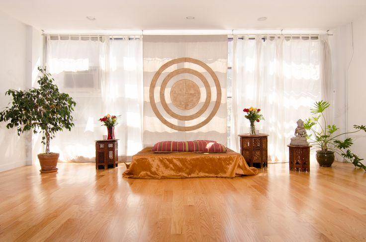 Studio určené pro cvičení naam jógy
