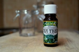 tea tree oil od firmy saloos, domácí kosmetika