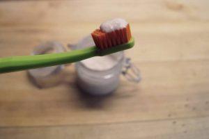 domácí zubní pasta
