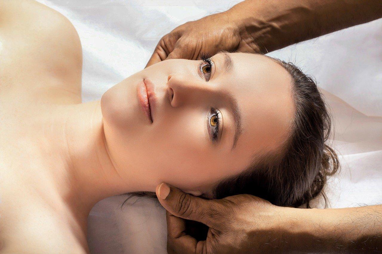 ajurvéda masáž hlavy