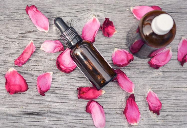 Čistící olej z růžové vody