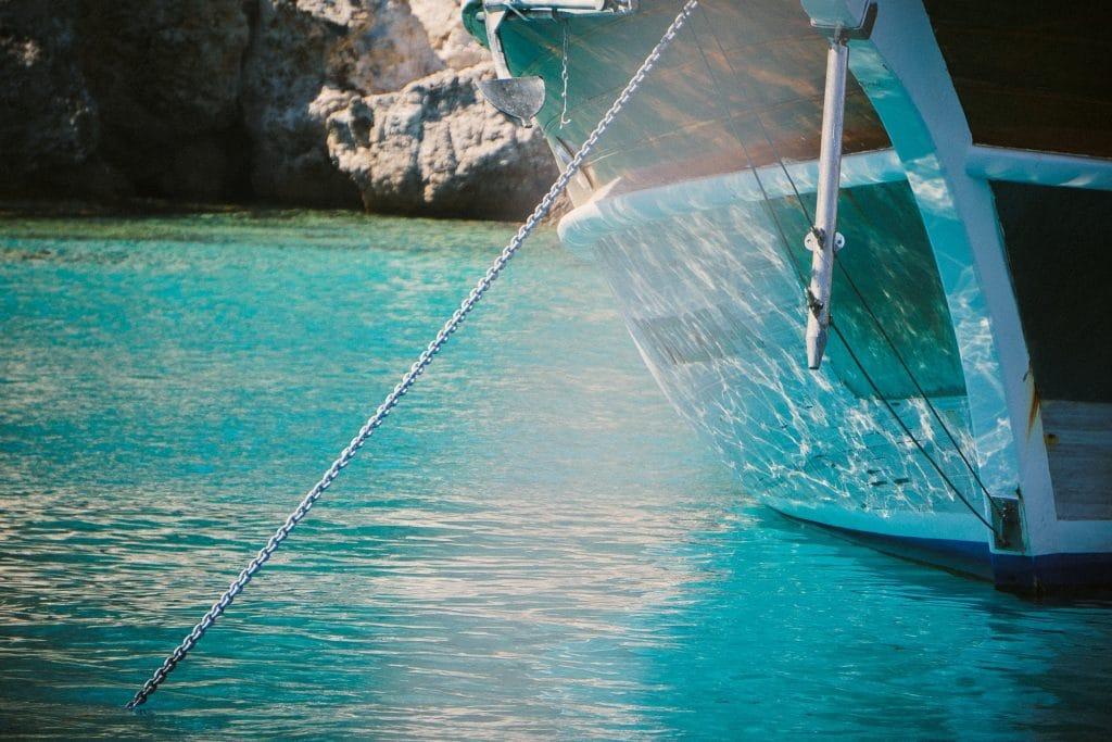 loď, voda, kotva, ukotvení
