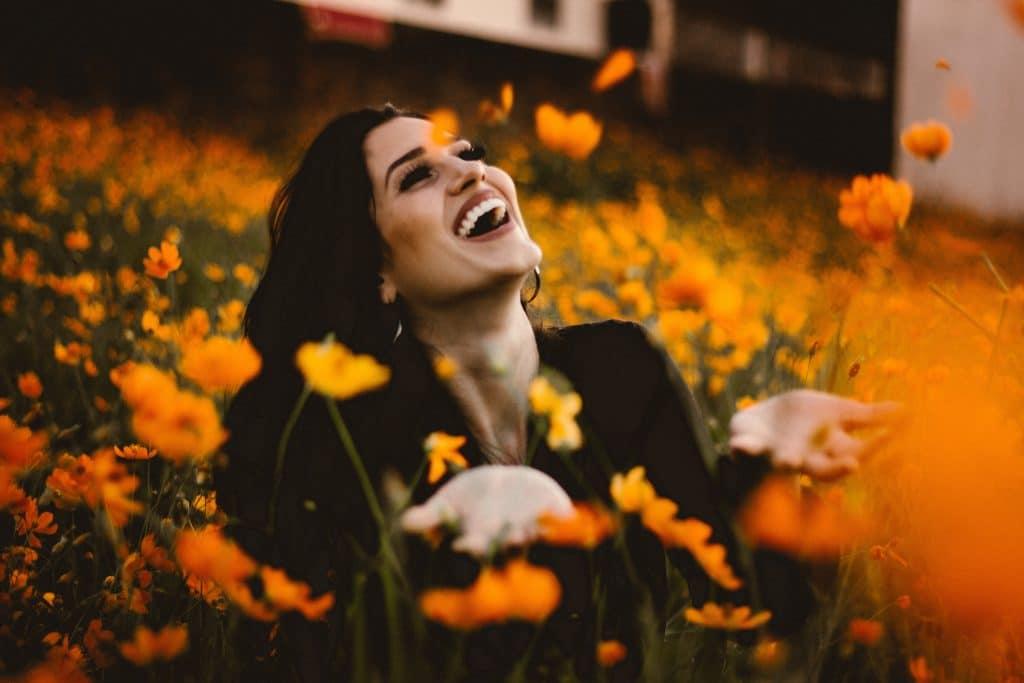 žena, květina, štěstí
