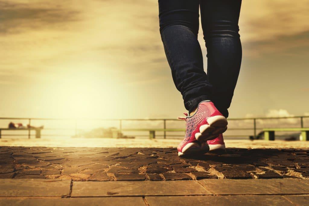 chůze, nohy, boty, cesta