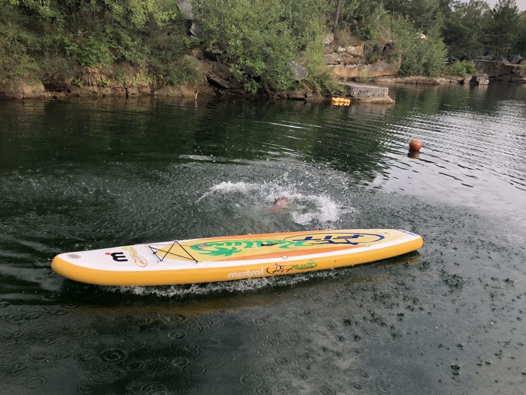 pád z paddle boardu