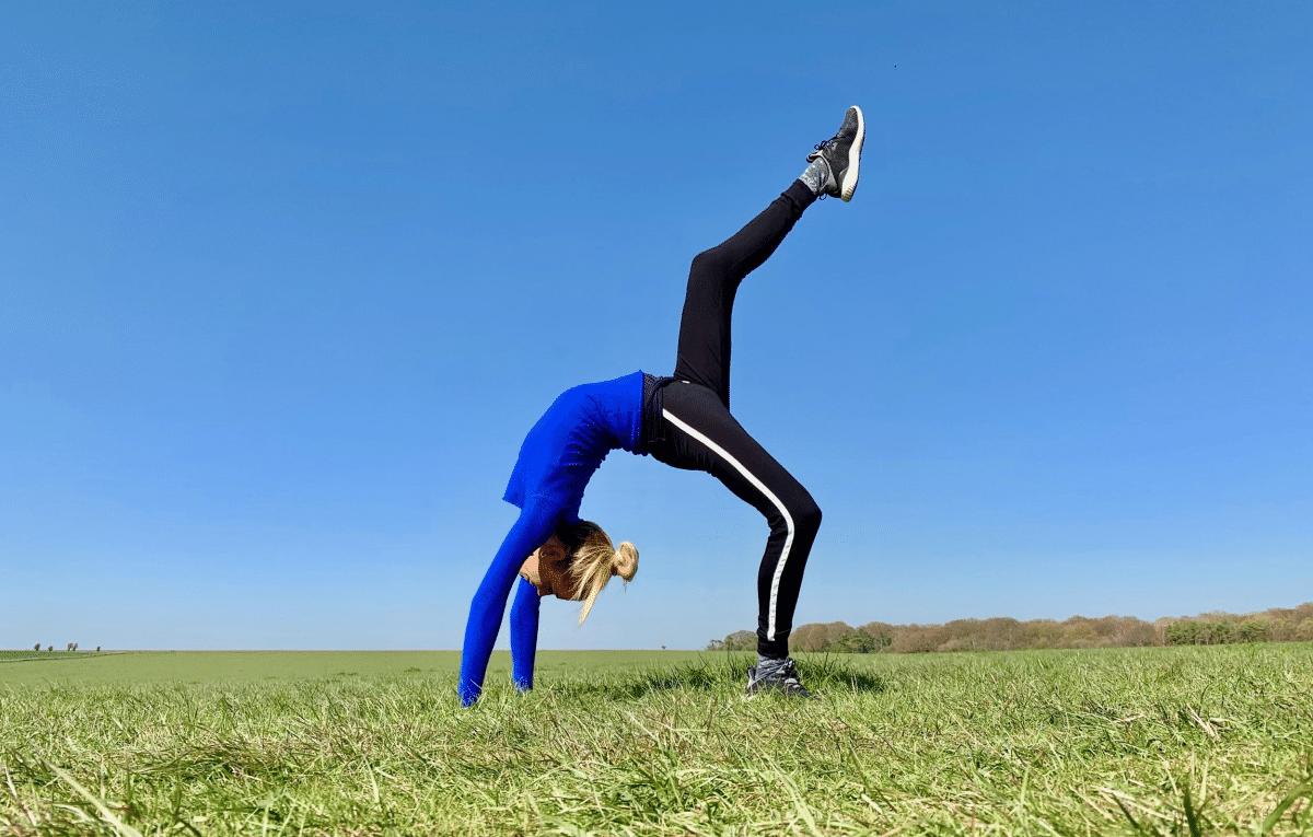 Záklon jóga Lenka